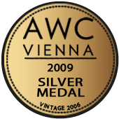 Medalla de Plata en AWC Vienna 2009 (Austria) (añada 2006)